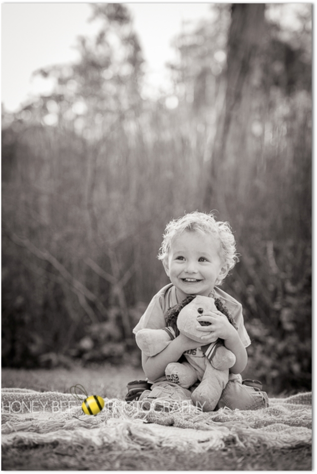 Brisbane Family | Children | Newborn | Maternity | Wedding Photography |Best Friends | lake | cuddles